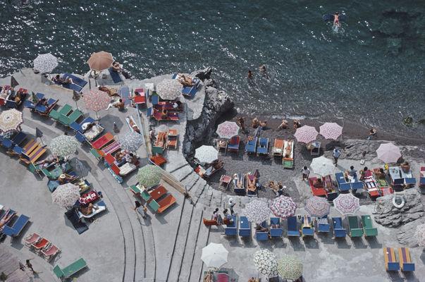 Positano Beach Par Slim Aarons 1979
