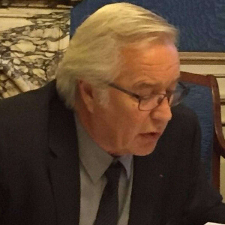 François Rebsamen fait le point sur l'ordre du jour du conseil...