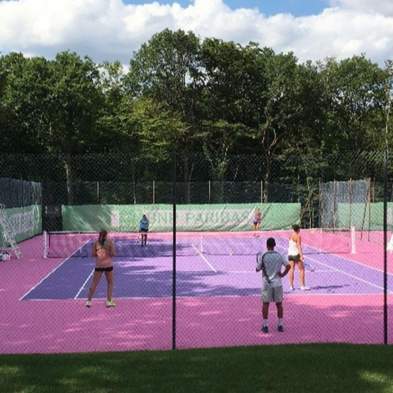 Tournoi international de tennis féminin à Norges-la-Ville