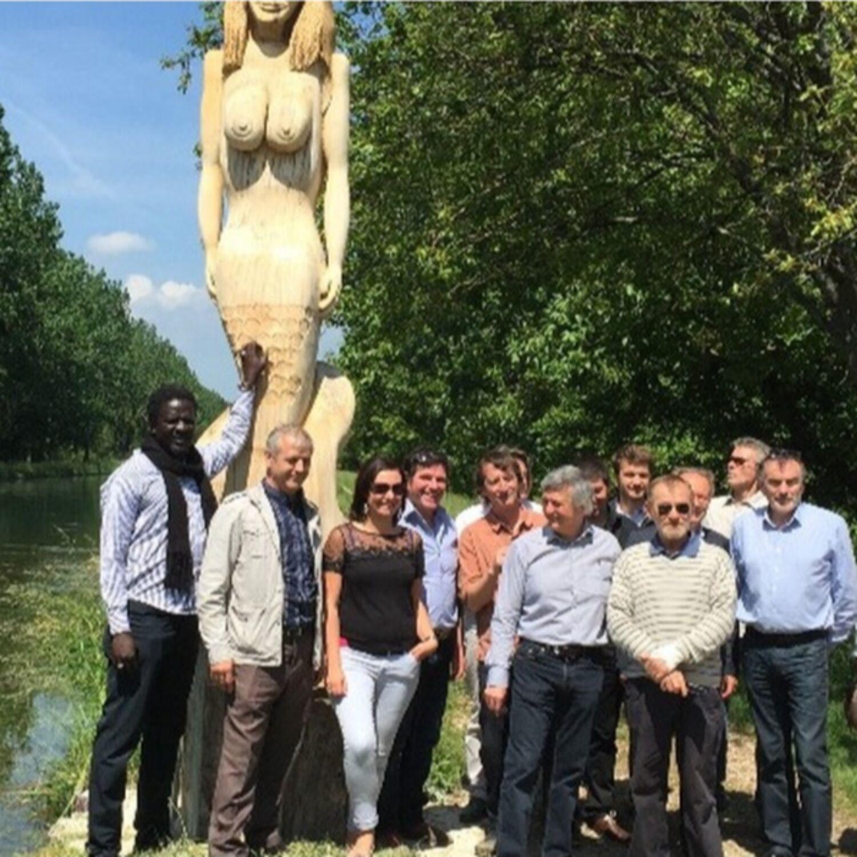 Inauguration d'une statue à Ouges