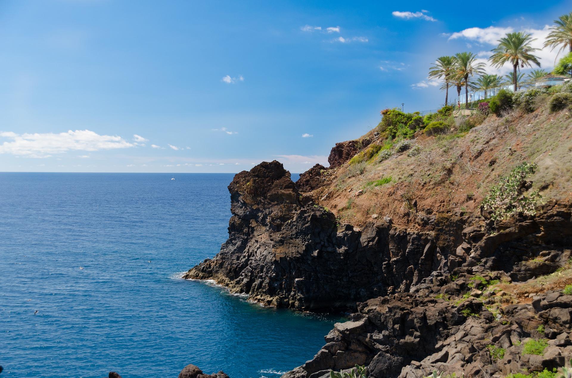 Cheap flights to Madeira