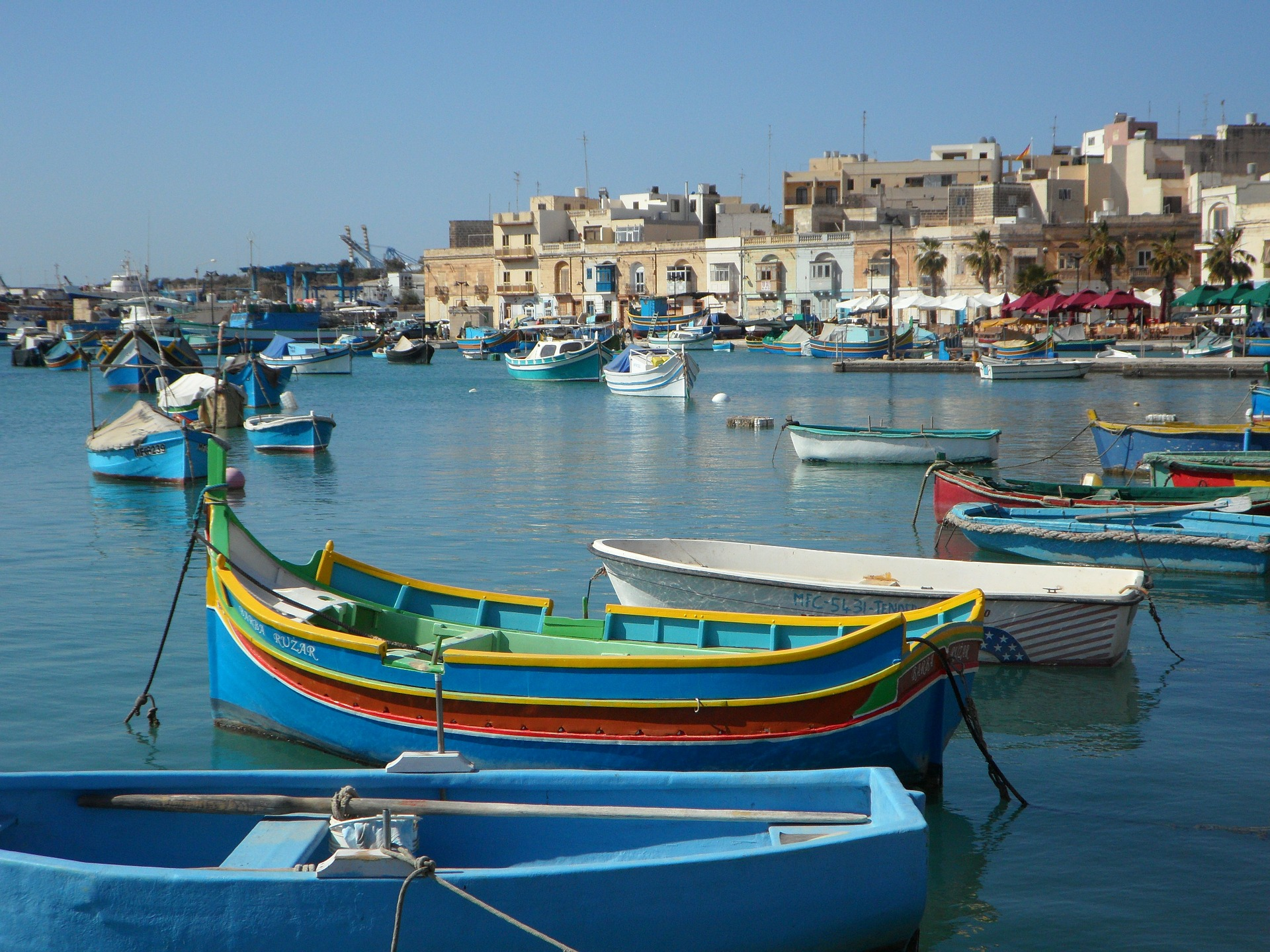 Cheap flights to Luqa