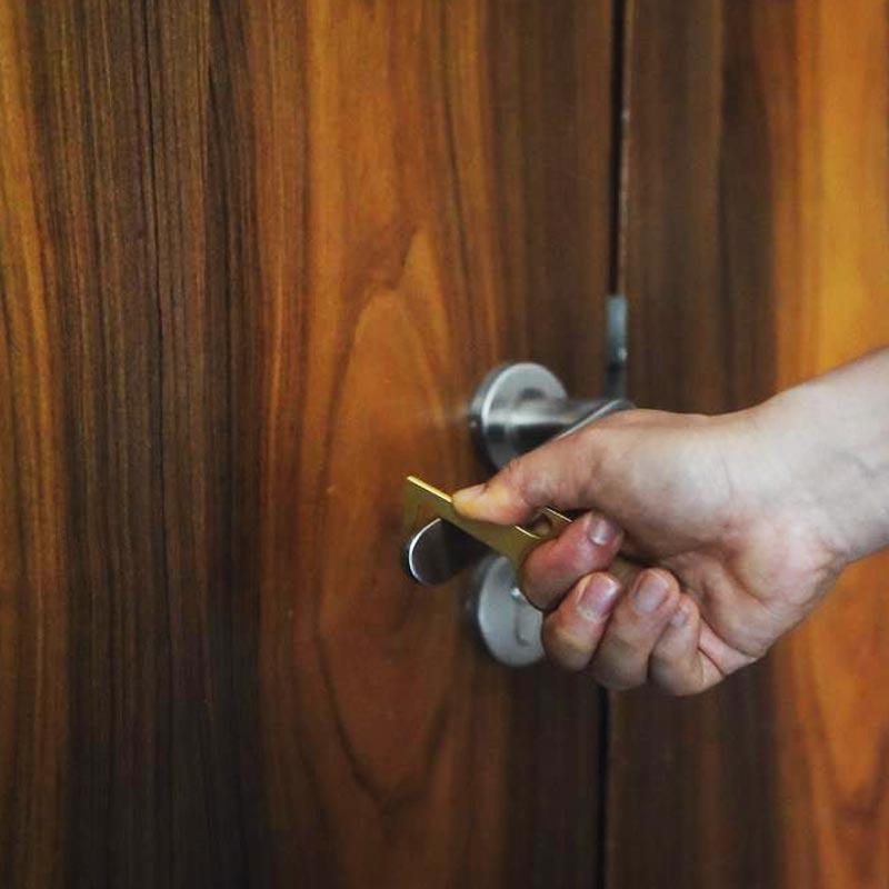 porte-clés publicitaire zéro contact pour ouverture de porte facile
