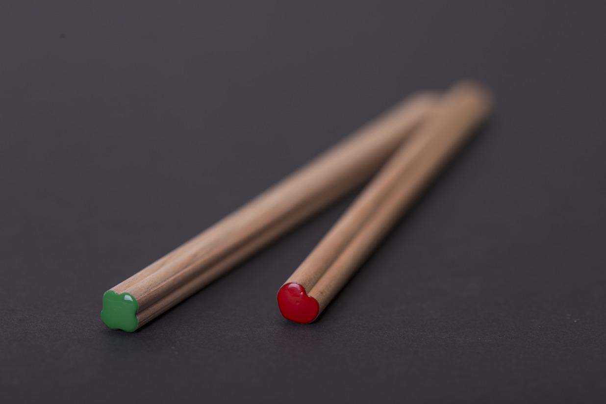 Crayon à papier personnalisable forme trfle Coeur PRESTIGE ROUGE 17,6cm