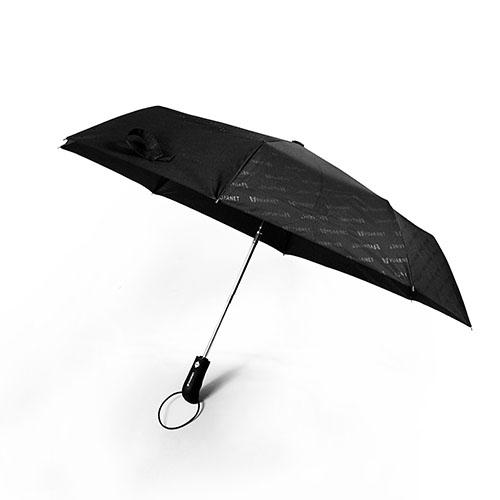 Parapluie publicitaire écologique tempête pliable de la marque Vuarnet