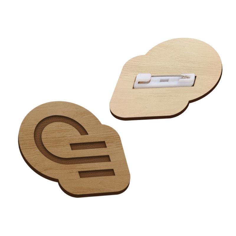 Badge publicitaire en bois Hangwood - Goodies salon