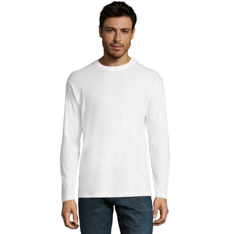 T-shirt personnalisé Monarch porté par un homme