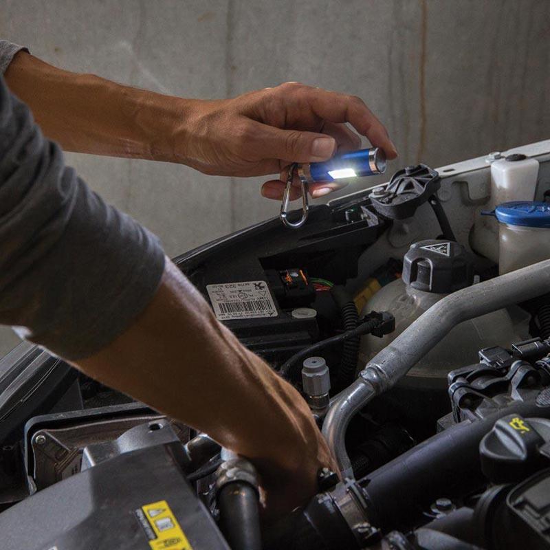 Lampe torche personnalisable Seven - mise en situation