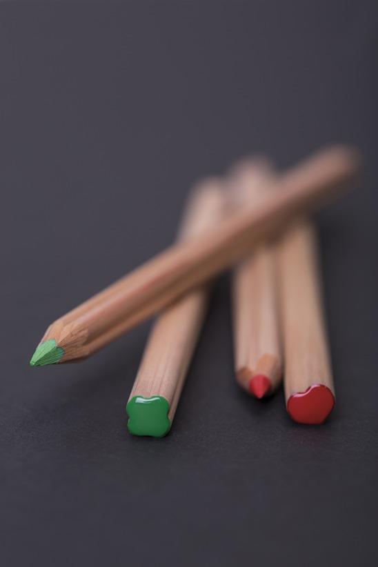 Crayon à papier publicitaire bois forme Coeur PRESTIGE ROUGE 17,6cm