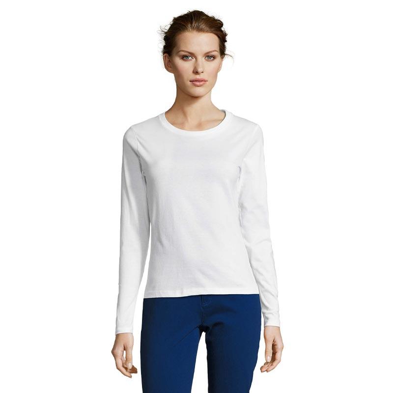 T-shirt coton manches longues portée par une femme