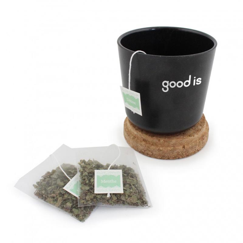 Mug publicitaire en bambou et liège avec sachet de thé noir