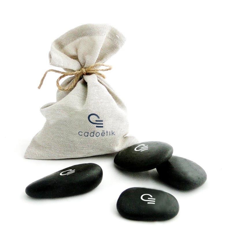 Cadeau publicitaire original - Sachet de 3 galetsCadeau d'entreprise écologique - Sachet de galets décoratifs
