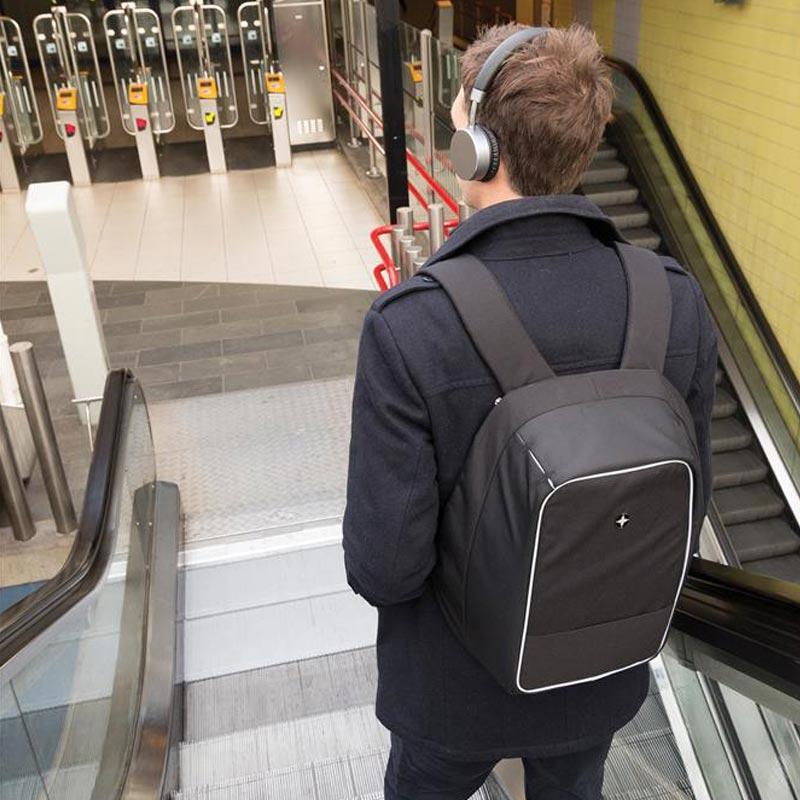 """Cadeau d'affaires - Sac à dos antivol pour ordinateur 15""""  Swiss Peak Berne"""