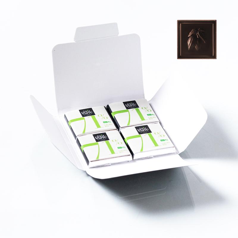 Carte enveloppe avec 4 carrés de chocolat