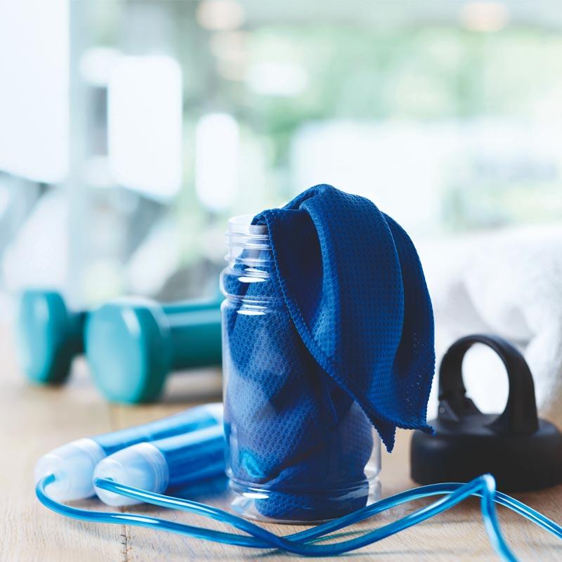 Bouteille publicitaire sport avec serviette en microfibre Fris - Goodies sport