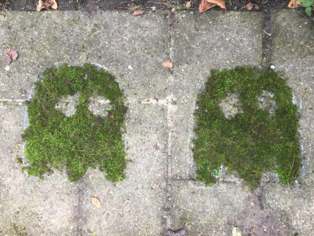 Deux fantomes de Pac man en mousse