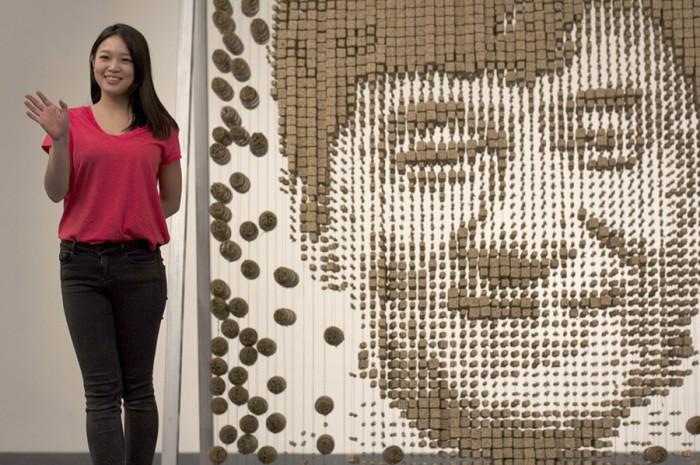 Portrait de Jackie Chan avec des baguettes par Hong Yi