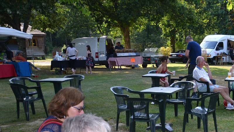 Le Gâvre. Un marché en musique au camping de la Forêt