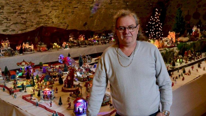 Marché et village miniature de Noël au château