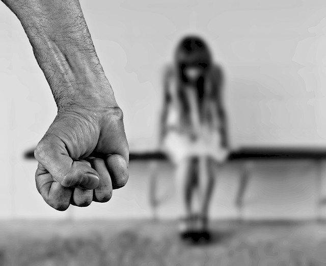 Le violentomètre : 23 questions pour repérer les comportements violents dans le couple