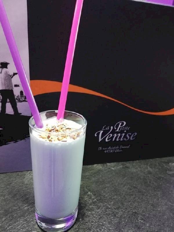 """A La Petite Venise, goûter le Cocktail """"Lait de Licorne"""""""