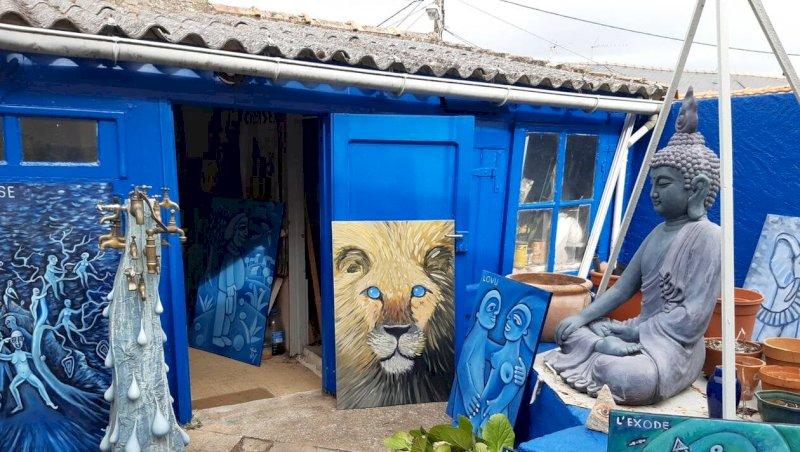 Pornic. Christian Lusseau peint la vie en bleu