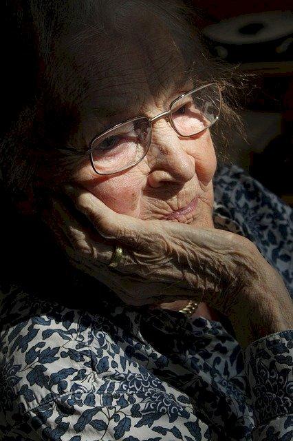 Protéger les personnes âgées