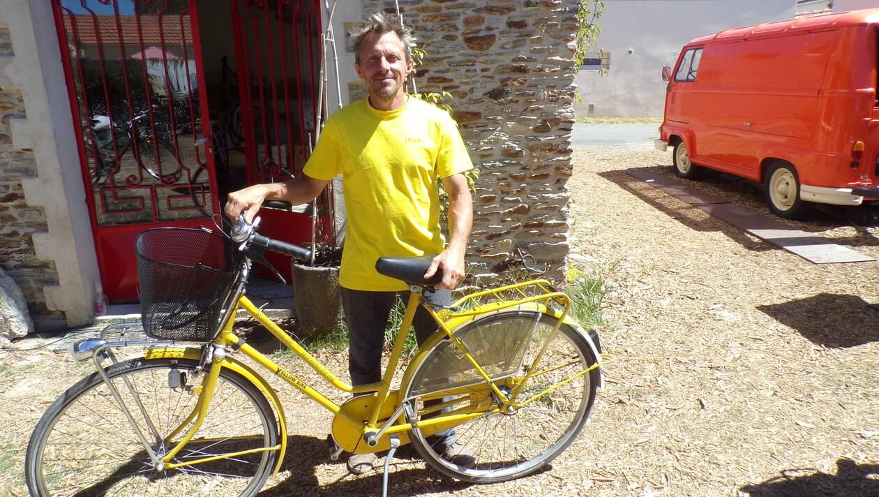 Saint-Michel-Chef-Chef. On peut louer des vélos vintages chez Bicyclock