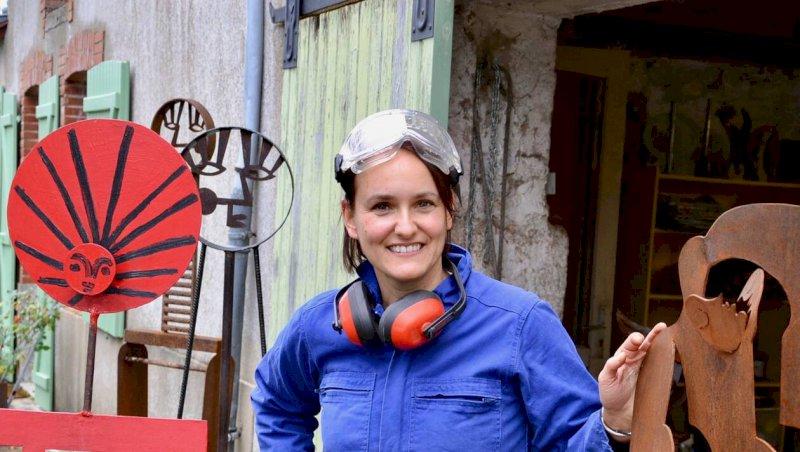 Sculptrice, Anabel Puig travaille la ferraille