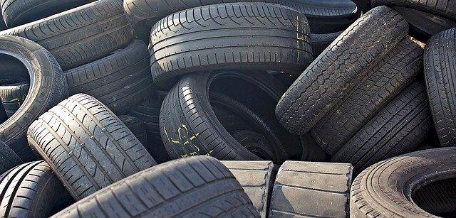 Collecte des pneus à la déchèterie de Notre Dame des Landes, le 19 juin