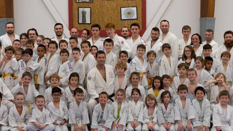 80participants à l'entraînement inter-âges du Judo-club
