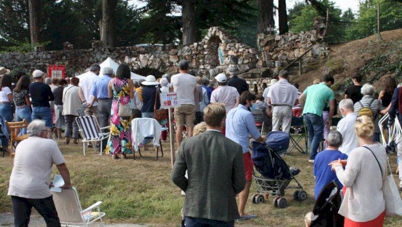 Rouans. Affluence à la grotte pour la messe de L'Assomption