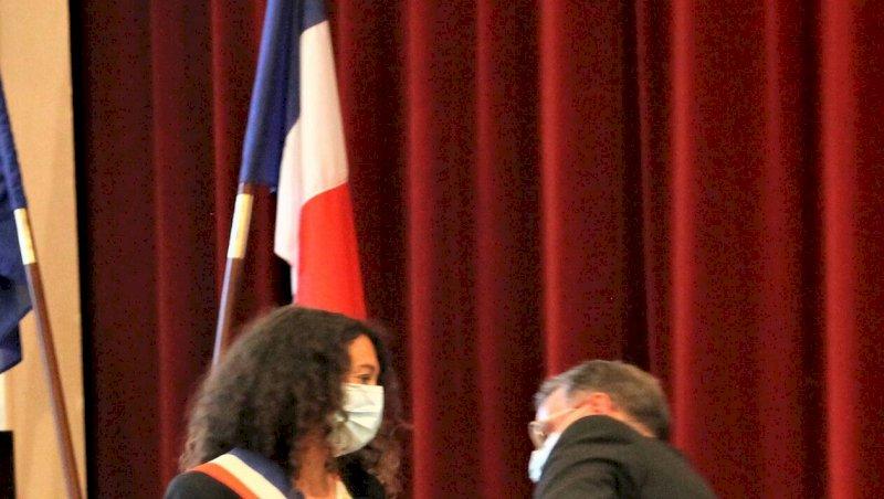 La Plaine-sur-Mer. Grande émotion pour la première femme élue maire dans la commune | Presse Océan
