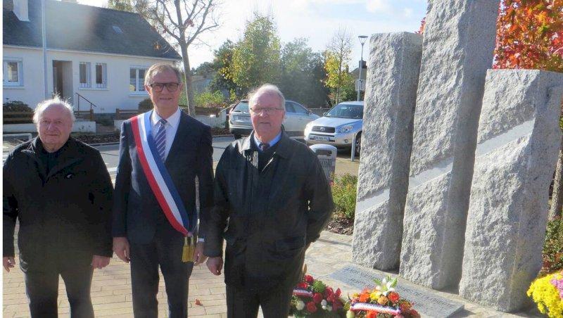 Une nouvelle stèle en l'honneur des morts pour la France