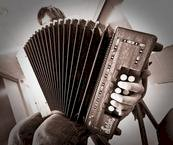 Apprenez la musique traditionnelle avec La Bouèze !