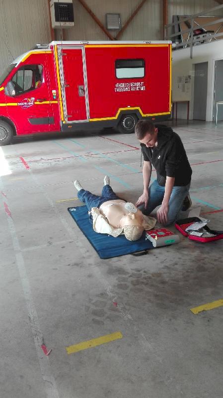 Sensibilisation aux Gestes qui Sauvent par les Pompiers de Plessé