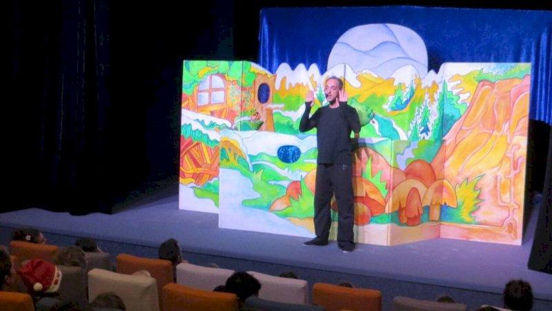 Les marionnettes étrennent la scène du théâtre