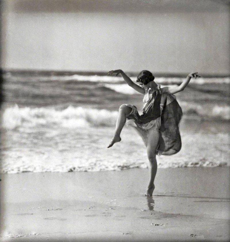Isadora Duncan, la danseuse aux pieds nus - Ép. 3/11 - La Nuit rêvée de Jérôme Bel