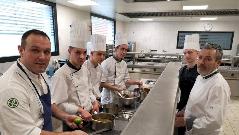 Pontivy. Les grands chefs s'invitent dans les cuisines du lycée Saint-Ivy
