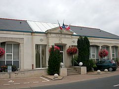 Mairie, pas de permanence le samedi matin du 18 juillet au 15 août.