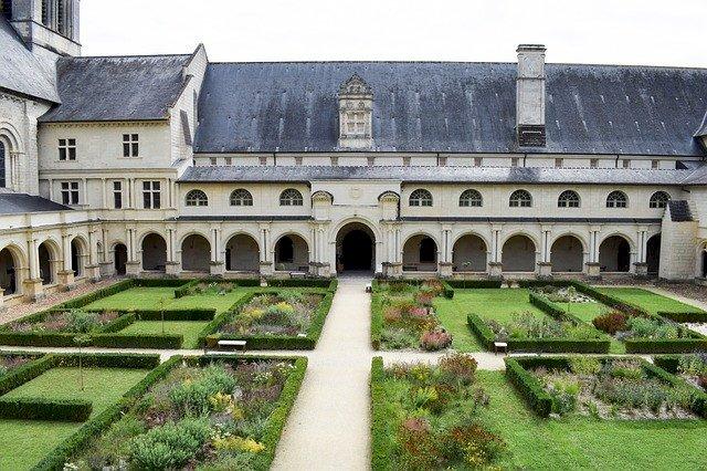 Parcours nocturne à l' Abbaye Royale de Fontevraud