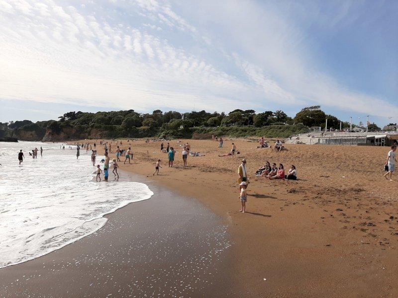 PHOTOS. Déconfinement : trop statiques sur les plages de la Loire-Atlantique ?