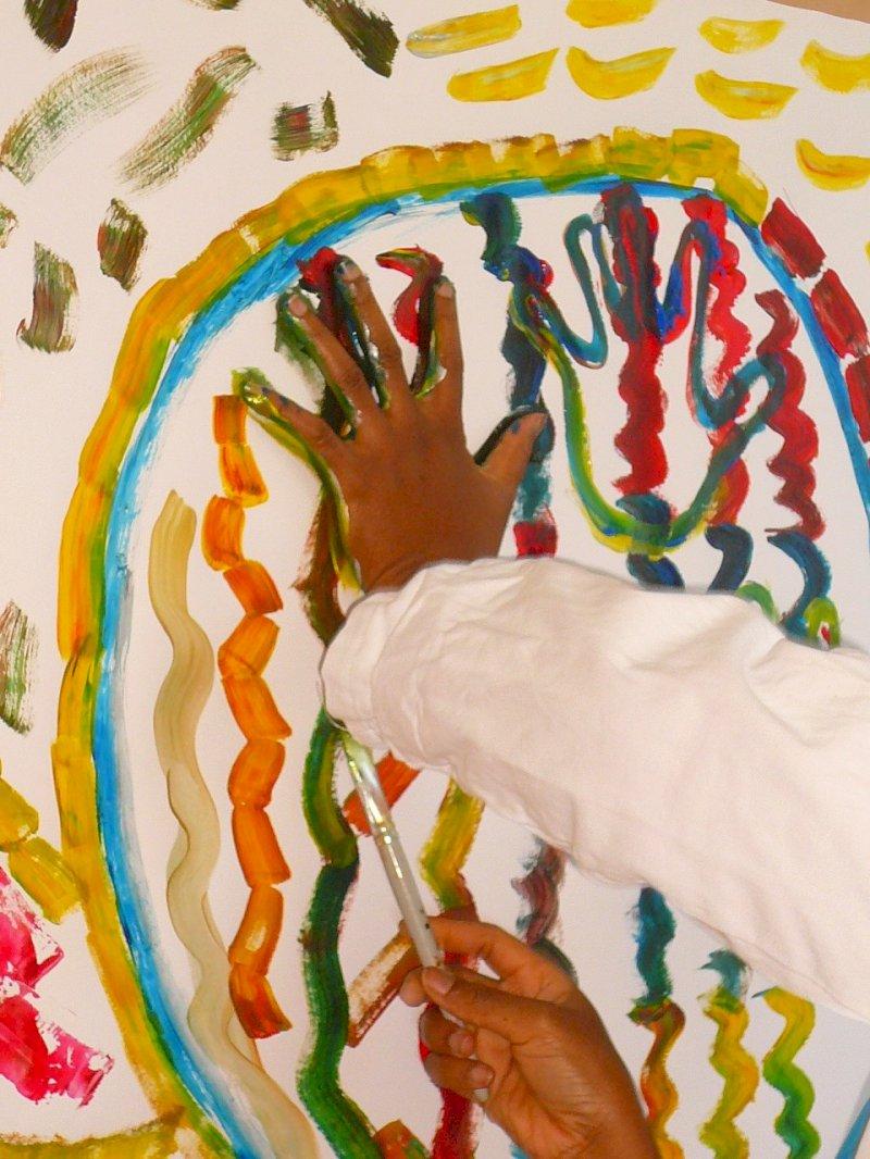 Au fil de la trace : on joue à « peinturer » avec P'tites graines de bonheur