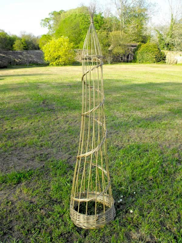Atelier jardinage : réaliser son support pour plantes grimpantes en vannerie