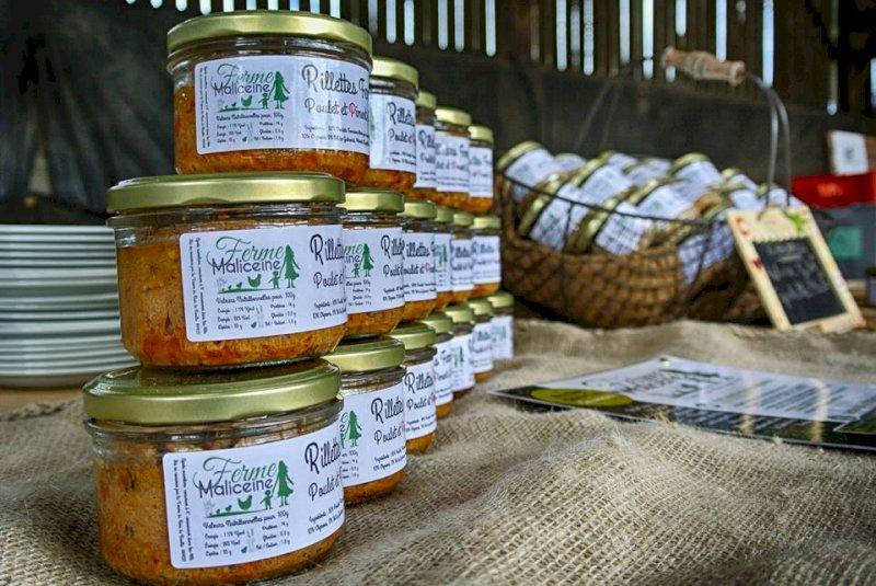 Ferme Maliceine : Vente de  poulets fermiers élevés en plein air et produits dérivés