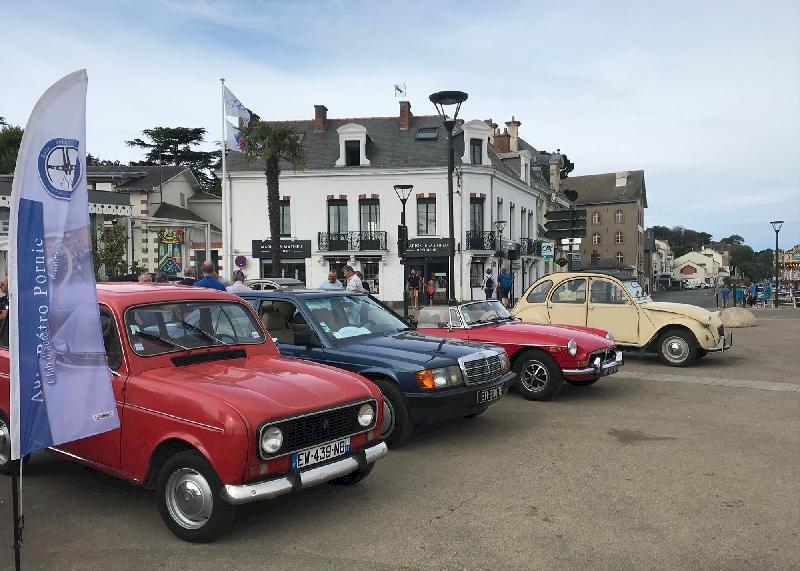 Rassemblement mensuel de véhicules anciens et prestige