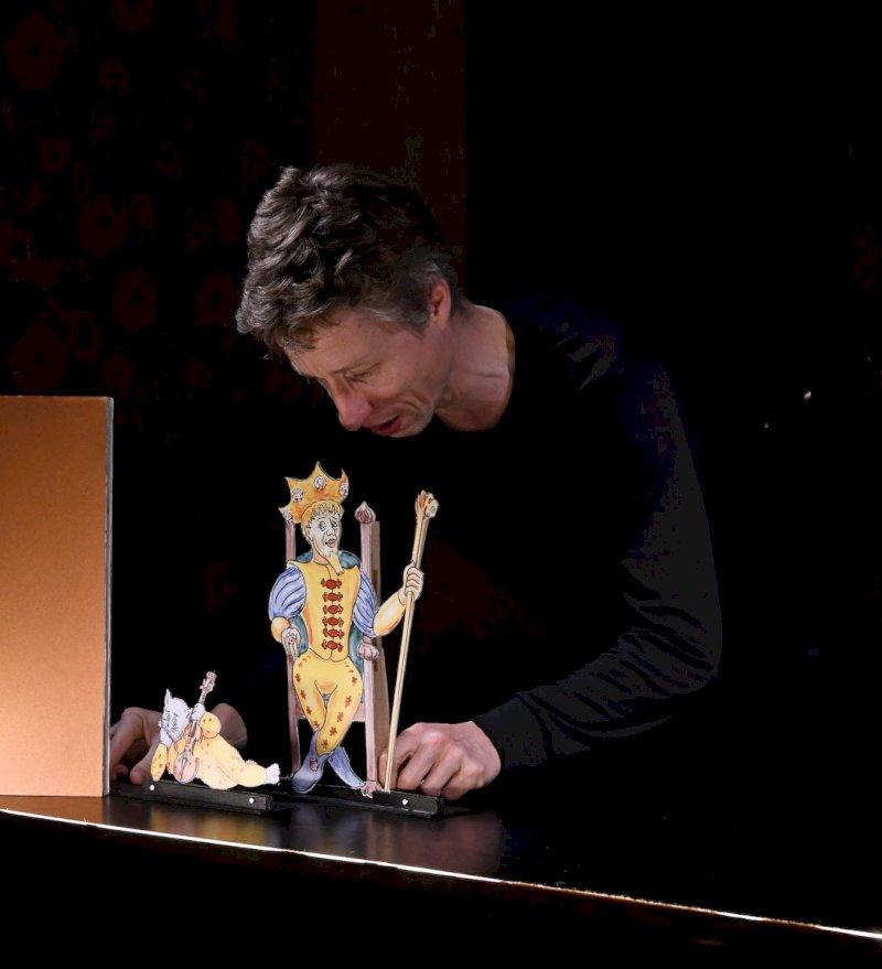 « Un roi, un chat et un violon »
