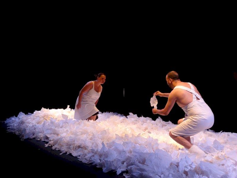 Sous la neige - Théâtre d'objet / danse pour les tout-petits
