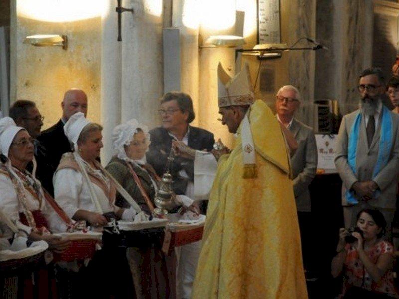 Bénédiction des calissons - Grande fête de l'amande et du calisson