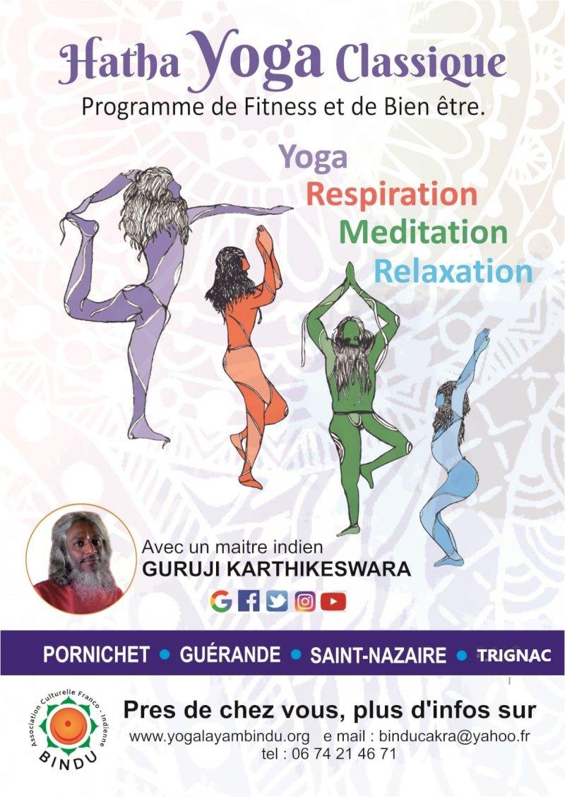 Cours de hatha yoga avec un maître indien